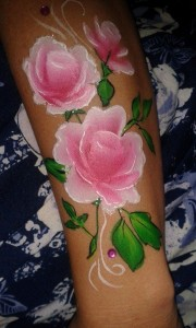 Rose flowers for the arm #facepaint #flowers #roses